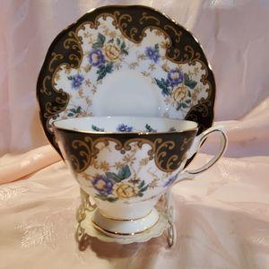 """ROYAL ALBERT'S """"Duchess"""" 1910 Teacup/Saucer"""